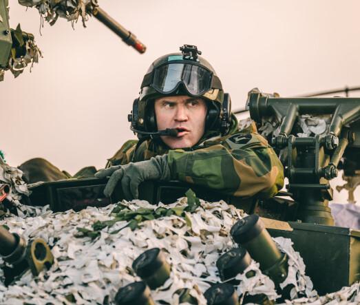 Lars Lervik i en CV90 under øvelse Trident Juncture i 2018 som sjef Brigade Nord. Nå er han sjef for Hæren.