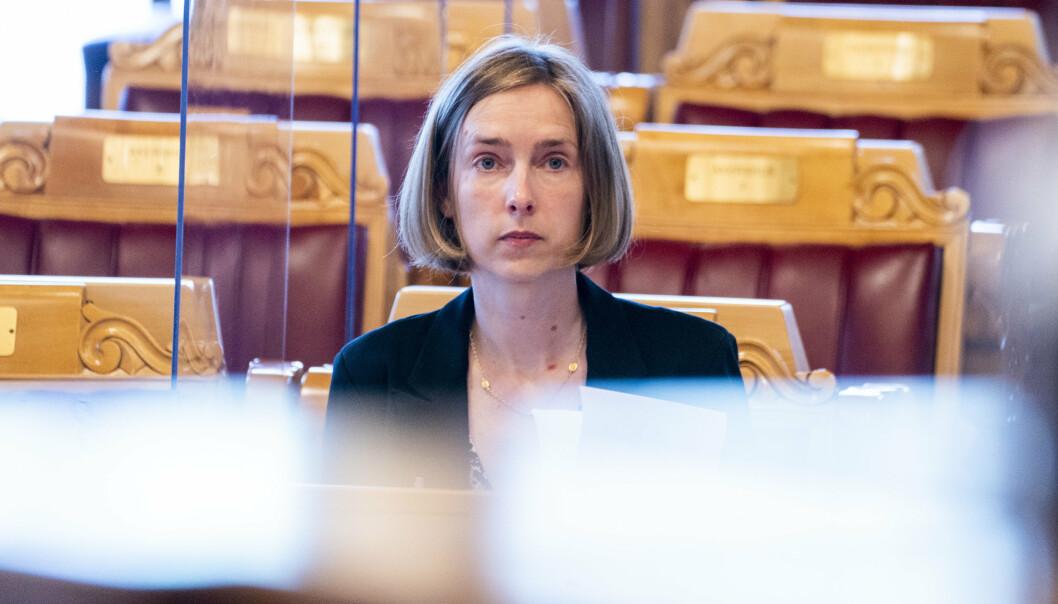 REAGERER: Næringsminister Iselin Nybø (V) reagerer på anklagene om hemmelighold i Bergen Engines-saken.