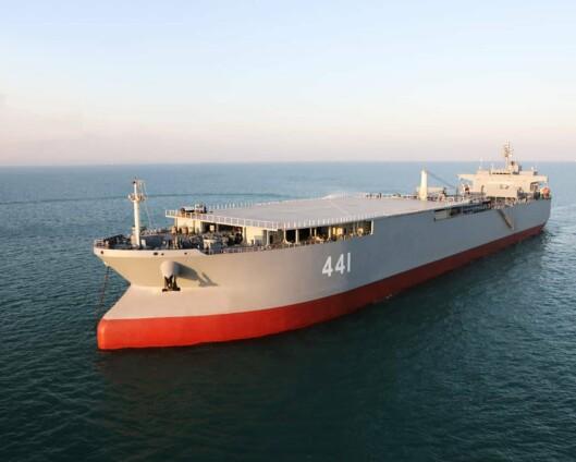 Iranske marinefartøy seiler gjennom Den engelske kanal