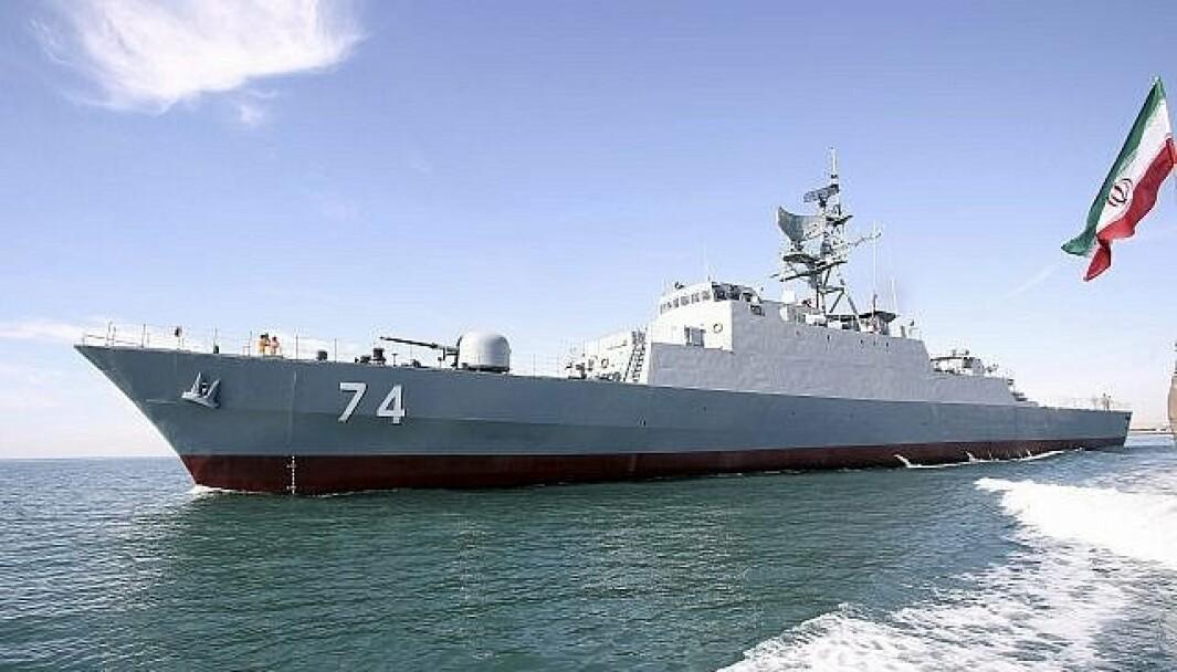 FREGATT: Den iranske fregatten Sahand seiler gjennom Den engelske kanal for å delta i en flåteparade i Sankt Petersburg 25. juli.