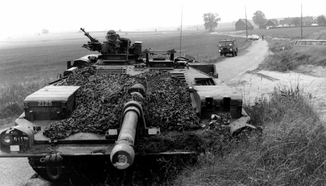 STRIDSVOGN S: Den svenskproduserte tanksen fikk betegnelsen Stridsvogn 103.