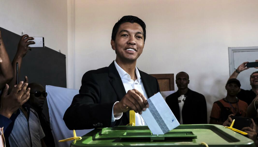 MADAGASKAR: President i Madagaskar, Andry Rajoelina, skal ha blitt utsatt for et attentat. Her er han avbildet i forbindelse med valget i 2018.