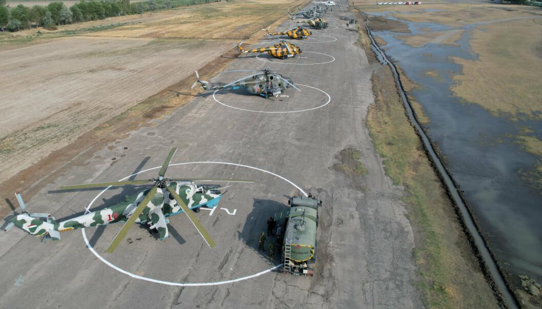 LUFTSTYRKE: Helikopterne står klare til under storøvelsen