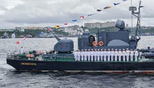 FARTØY: Fra paraden i Severomorsk på Kola-halvøya.