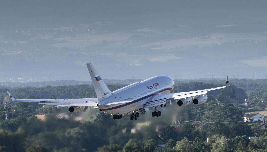 RUSSLAND: Presidentflyet Ilyushin Il-96, antatt å ha den russiske presidenten Vladimir Putin om bord, tar av fra Genève lufthavn Cointrin etter et toppmøte mellom USA og Russland 16. juni 2021.