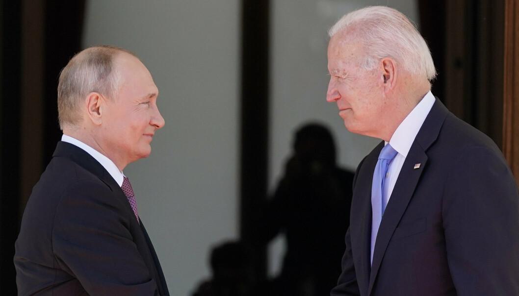 DIALOG: USA og Russland viderefører onsdag dialogen som presidentene Joe Biden og Vladimir Putin startet med sitt toppmøte i Genève i forrige måned