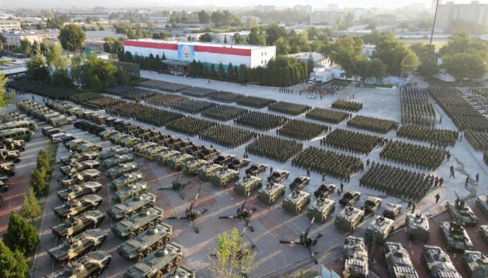 STORØVELSE: Torsdag 22. juli ble den største militærøvelsen i Tadsjikistan histore gjennomført, på bakgrunn av den urolige situasjonen i Afghanistan.