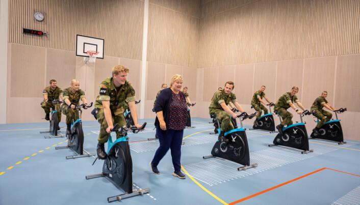 KAMPKRAFT: Det nye idretts- og treningssenteret er viktig for militær stridsevne, mener Erna Solberg.