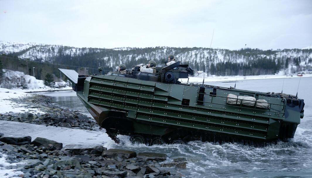 ULYKKE: Ni amerikanske soldater omkom i en ulykke med amfibisk stormpanservogn - en såkalt Assault Amphibious Vehilcle (AAV) - utenfor kysten av California i 2020. Dette bildet er fra øvelse i Norge i 2016.