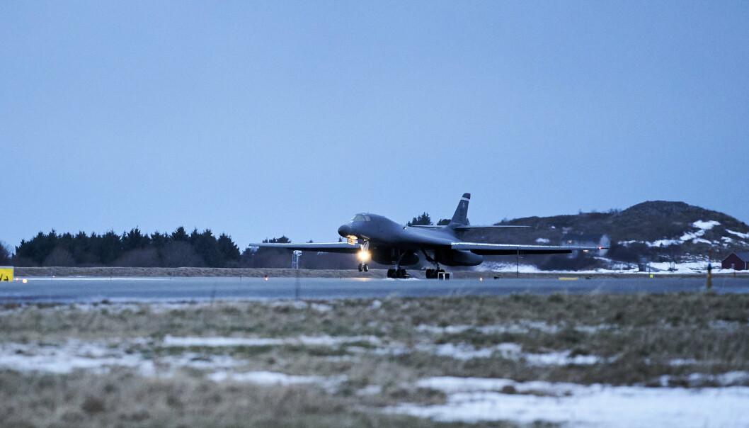 STØY: Kampflybasen på Ørland støyer så mye at 40 verneverdige hus blir flyttet til sentrum av Brekstad der de skal danne en ny bydel.