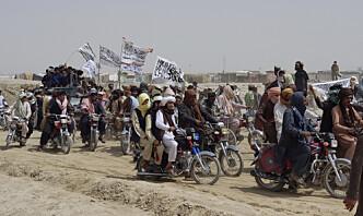 Taliban rykker fram, anklages for massakre