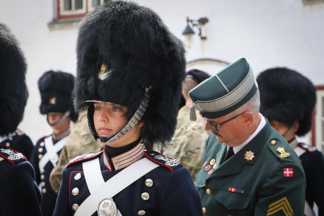 KVINNER: Rekordmange antall kvinner begynner sin førstegangstjeneste i Den kongelige livgarde i Danmark.