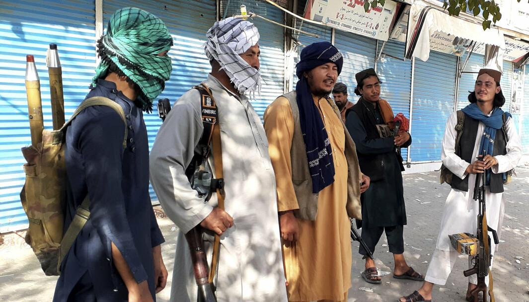 TALIBAN: Afghanistan trenger internasjonal støtte i kampen mot Taliban, skriver Ola Elvestuen. Her ser vi medlemmer av Taliban i Kunduz, Afghanistan.