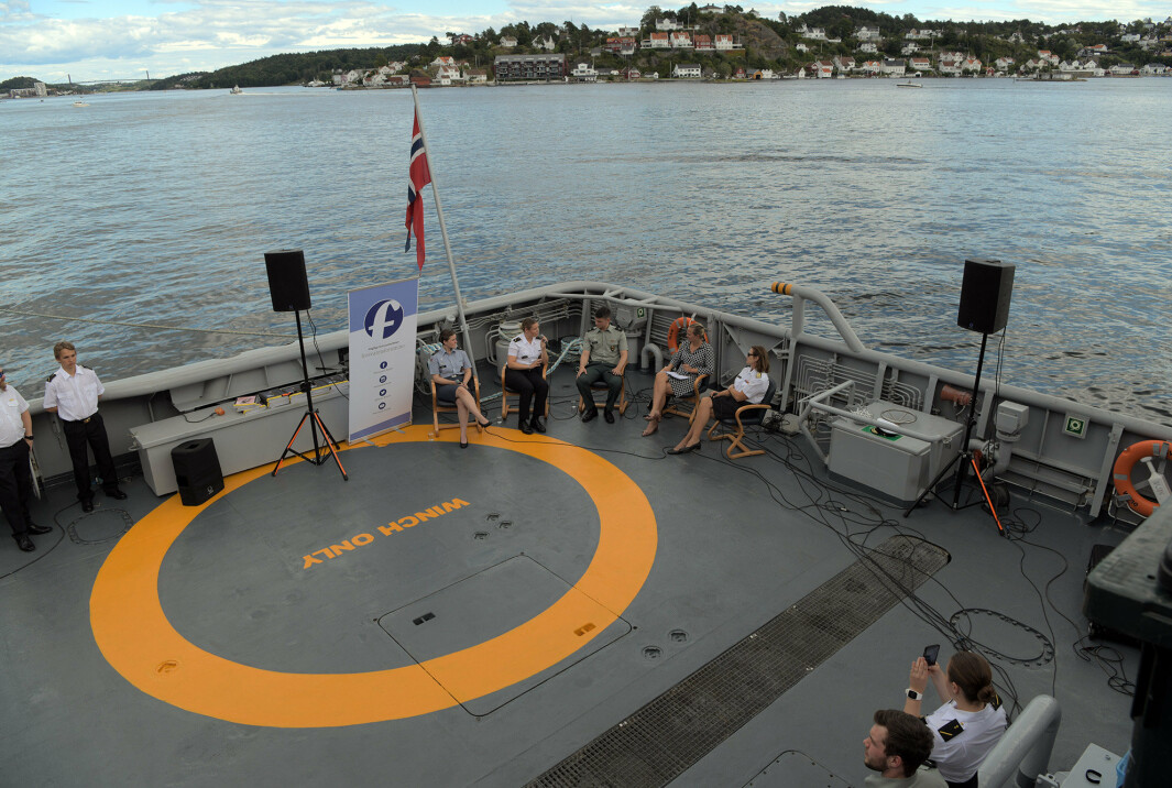 ARENDALSUKA: Debatten ble arrangert av Forsvarets forum. Den ble holdt på kystvaktfartøyet KV Norden