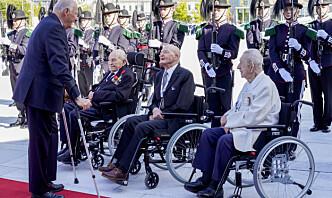 Kongefamilien takket krigsveteranene på frigjøringslunsj