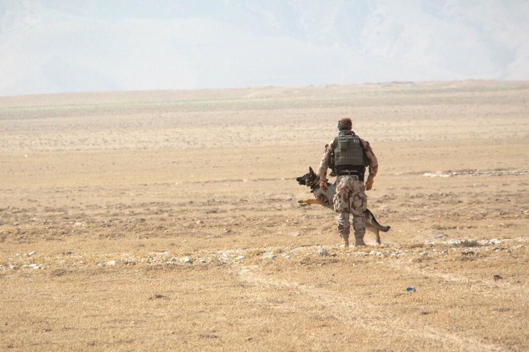 ANSVAR: Vi har et ansvar for å følge opp soldatene som har tjenestegjort i Afghanistan, skriver Inge Kampenes og Hanne Eggen Røislien. Her ser vi en norsk soldat i Afghanistan.