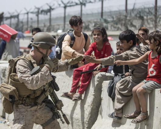 Jurist: Norge plikter til å hente sårede afghanske barn etter folkeretten