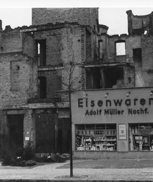 I byrjinga på Den kalde krigen i Berlin var spora frå andre verdskrig framleis godt synlege.