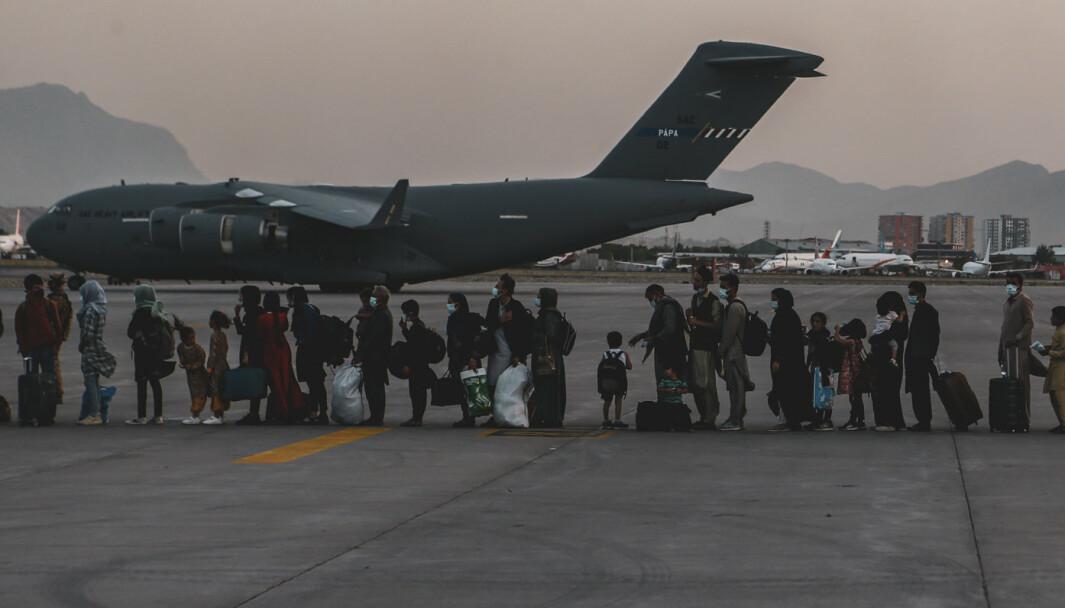FLUKT: Tusenvis er på flukt i Afghanistan. Innleggsforfatter og Afghanistan-veteran Freddy Bolle håper på en bedre framtid for landet.