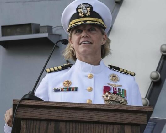 Første kvinnelige sjef på et amerikansk hangarskip
