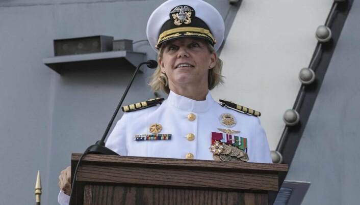 PILOT: Captain Amy Bauernschmidt har over 3000 flytimer som helikopterpilot.