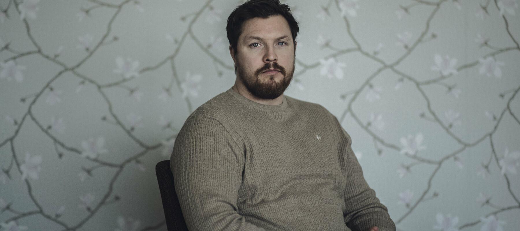 Harstad- Norge, 20210322 Trym Olsen er Afghanistan-veteran. I sitt hjem i Harstad forteller han om møtet med systemet etter at han fikk psykiske skader under deployeringene.