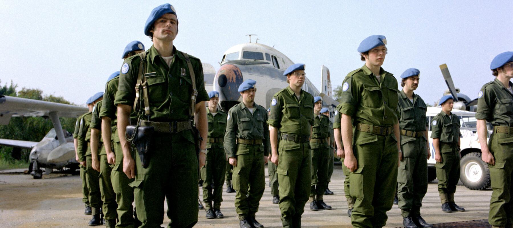 norske fn soldater fra norbatt's f¿rste kontingent under oppstilling pŒ beirut flyplass i 1978  norwegian un soldiers at beirut airport 1978