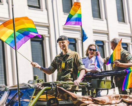 Forsvarssjefen ut mot netthets: Fikk selv reaksjoner på Pride-deltakelse