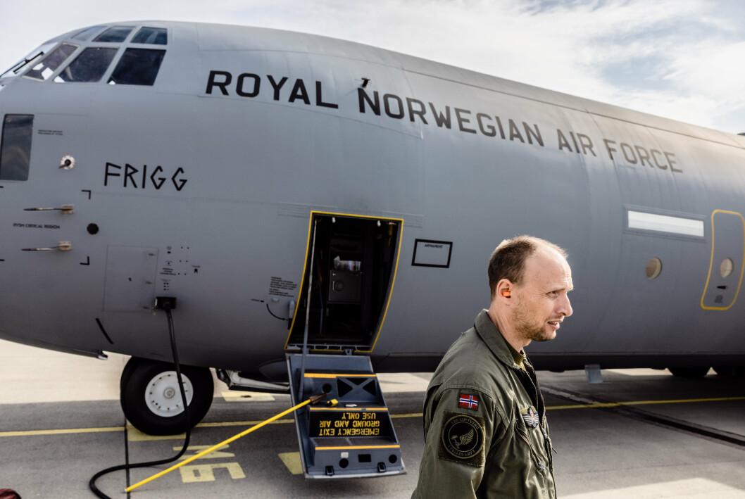 SKYTTELTRAFIKK: Dette flyet fløy fem ganger fra Tbilisi til Kabul for å evakuere afghanere, nordmenn og norsk personell.