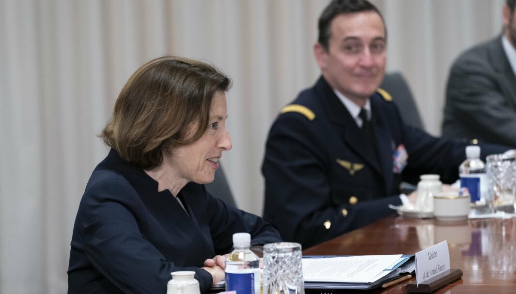 FLERE ANSATTE: Frankrikes forsvarsminister Florence Parly vil øke cyberforsvarets stab betraktelig. Her var Parly i møte med USAs forsvarsminister Lloyd Austin på USAs forsvarsdepartement Pentagon i Washington 9. juli.