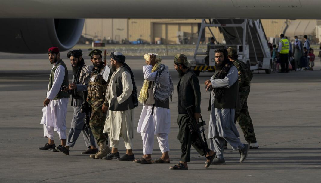 KABUL: Taliban har full kontroll på Hamid Karzai internasjonale lufthavn. Nå roses de av Det hvite hus.