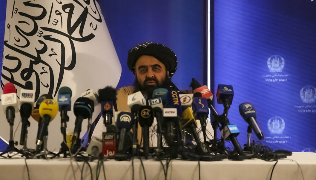 PRESSEKONFERANSE: Mawlawi Amir Khan Muttaqi, Talibans utenriksminister, under en pressekoferanse i Kabul 14. september.
