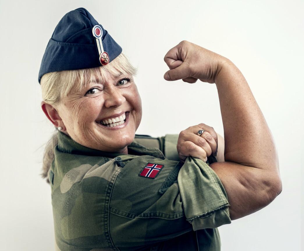 Oberstløytnant Lena Kvarving mener Forsvaret ikke kan bruke skattebetalernes penger til å lage et image de ikke lever opp til