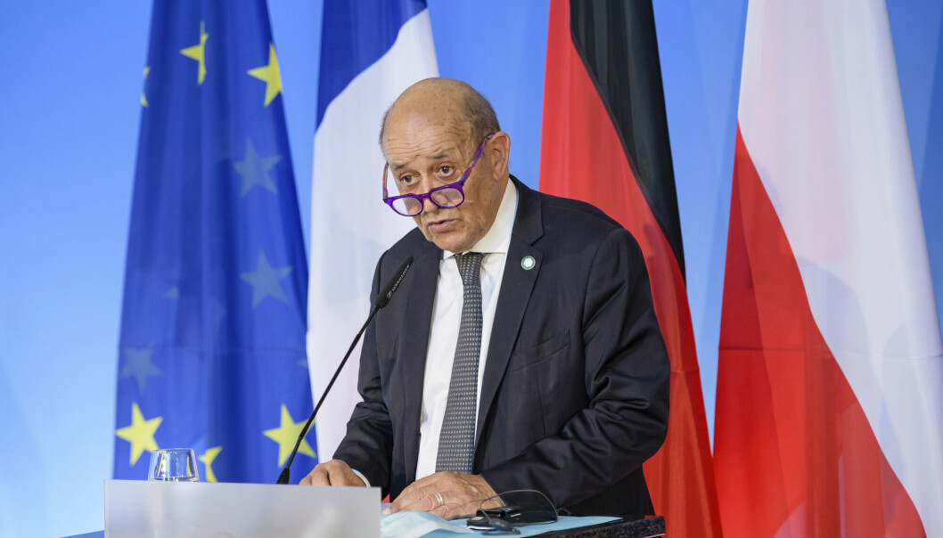 SINT: Frankrikes utenriksminister Jean-Yves Le Drian er sint på både Australia og USA etter at Australia vraket en ubåtkontrakt med Frankrike og inngikk en avtale med USA i stedet
