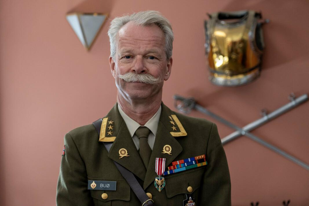 SEREMONI: Jørn Buø under tildelingen på Livgardets kaserne i København