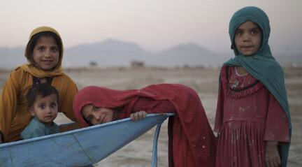 Afghanistans økonomi vingeklippet