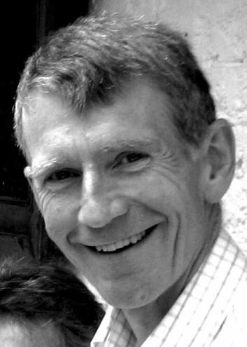 Forfattar Tony Insall.