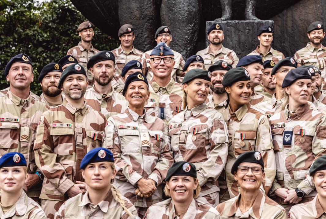 BIDRAGET: Det norske sanitetsbidragets tredje kontingent fikk medalje for sin innsats i Afghanistan på Akershus festning.