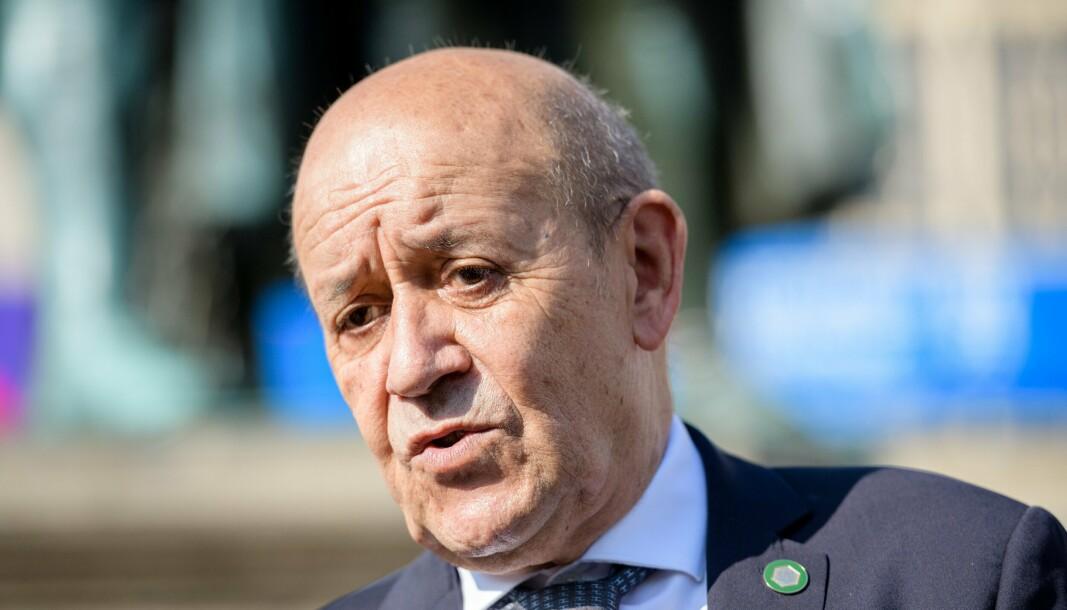 UBÅTSKANDALEN: Frankrikes utenriksminister Jean-Yves Le Drian i Weimar tidligere i september. Han mener Nato må ta ubåtsaken med i betraktningen når strategi for alliansens fremtid skal revurderes.
