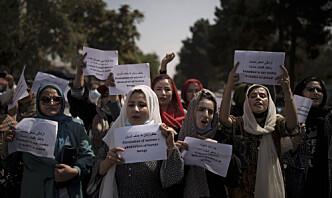 Afghanske kvinner reagerer sterkt på Talibans restriksjoner