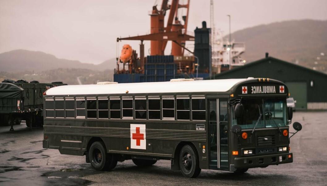 SANITETSKJØRETØY: 169 kontainere og opptil 60 kjøretøy skal lagres i Osmarka fjellanlegg i nærheten av Evenes flystasjon.