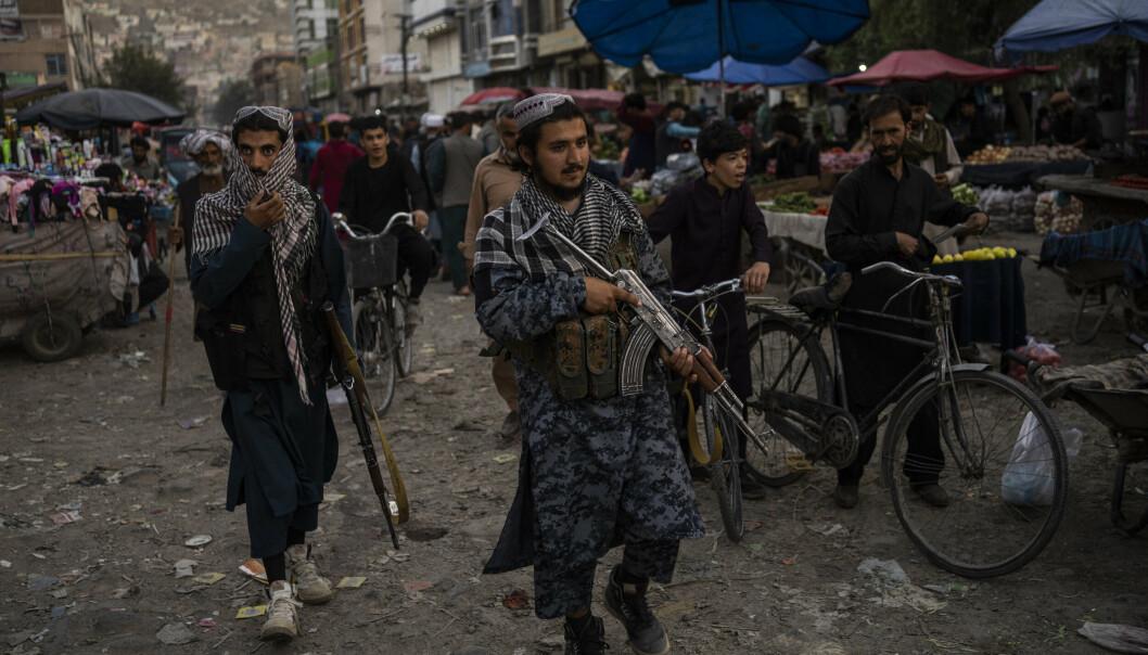 SØKER ANNERKJENNELSE: Taliban-krigere patruljerte i gamlebyen i Afghanistans hovedstad Kabul 14. september. Gruppen vil ha internasjonal anerkjennelse som landets offisielle regjering og plass i FNs generalforsamling.