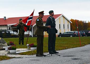 SJEFER: Pensjonert general og tidligere sjef GSV Vigar Aabrek, står ved siden av sjef GSV Michael Rozmara