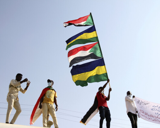 Demonstranter i Sudan krever nytt sivilt styre