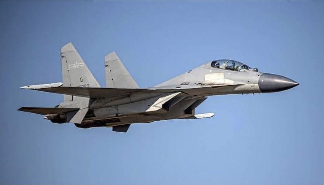 JAGERFLY: J-16-fly var blant flyene som ble sendt mot Taiwan.