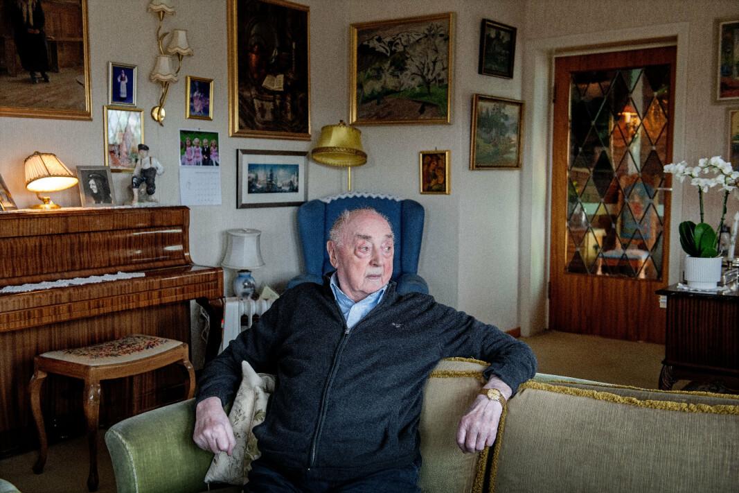 HEDRET: Jakob Strandheim (101) var en del av Shetlandsgjengen under 2. verdenskrig. 25. september ble han hedret med egen minnestein.