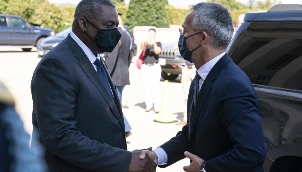 FORSVARSMINISTER: I tillegg til president Joe Biden møtte NATOs generalsekretær Jens Stoltenberg også forsvarsminister Lloyd Austin.