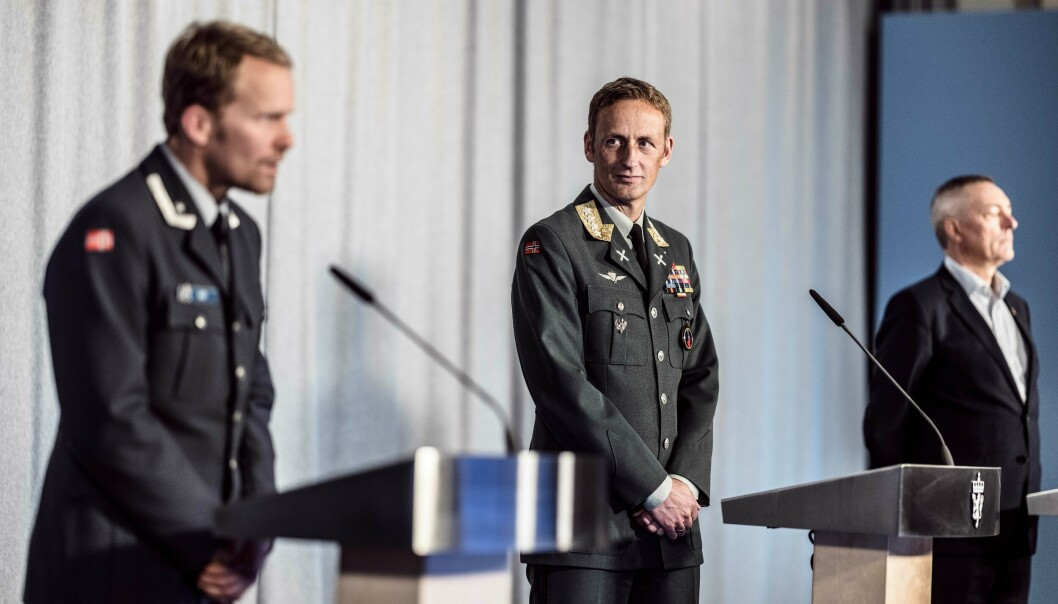 FREMLEGGING: Prosjektleder Hans Jakob Bøe, forsvarssjef Eirik Kristoffersen og forsvarsminister Frank Bakke-Jensen.