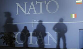 Nato utviser åtte russiske utsendinger