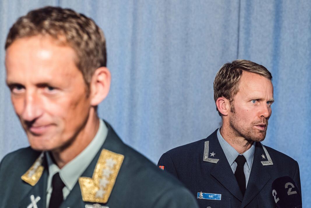 I DIALOG: Forsvarssjef Eirik Kristoffersen er åpen for dialog med Forsvarets sanitet, deriblant psykolog og prosjektleder for Afghanistan-undersøkelsen, Hans Jakob Bøe om eventuell registrering av eksponering for alvorlige hendelser.